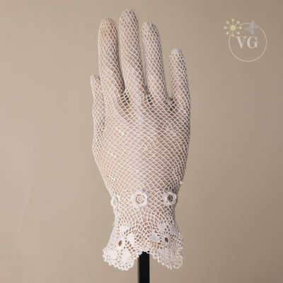 Victorian Style Crochet Flare Wrist Gloves