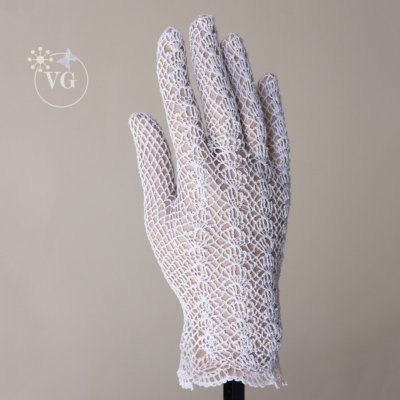 Victorian Style Shell Crochet Gloves