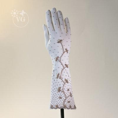 gloves_goldbead_1