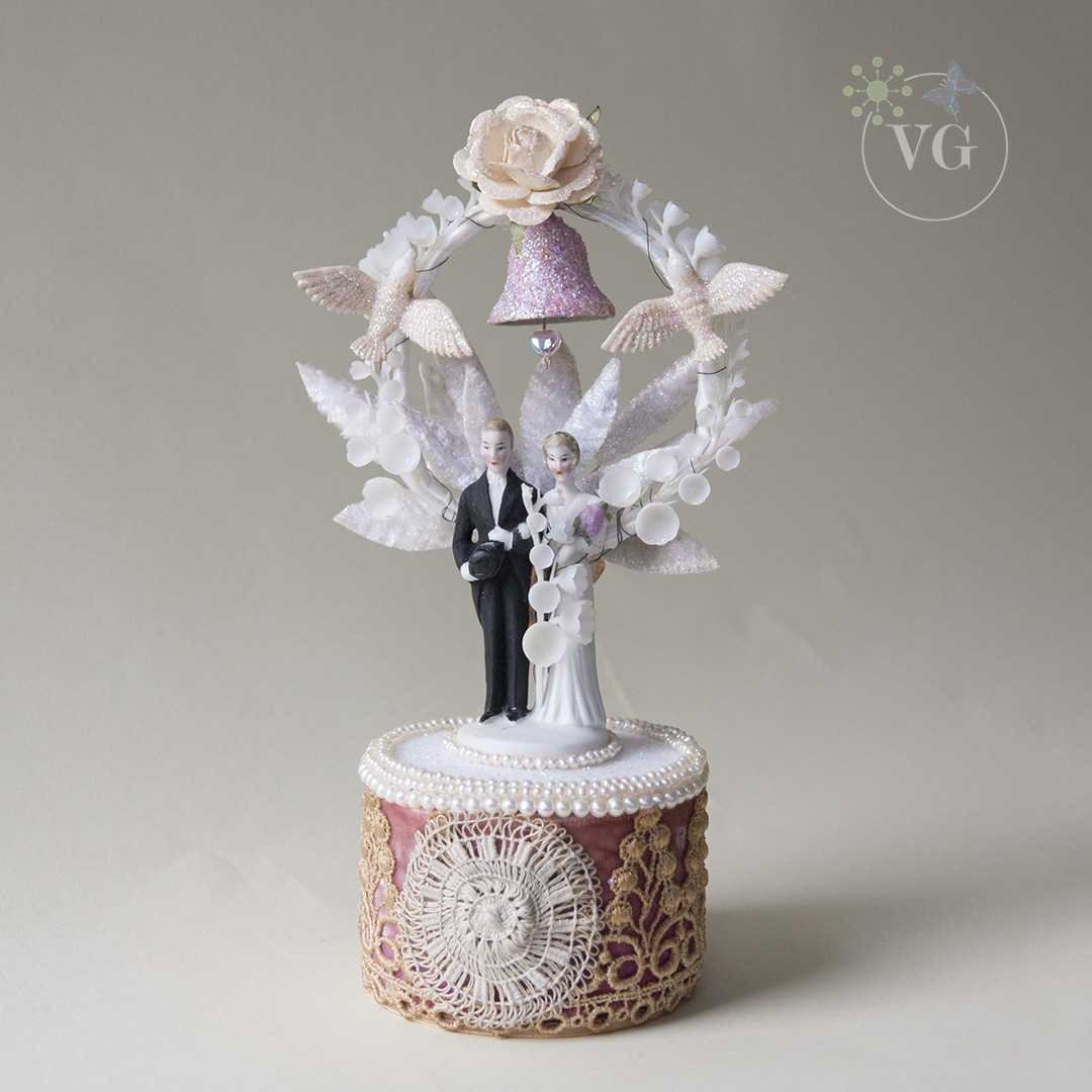 Cultured Pearl Wedding Cake Topper