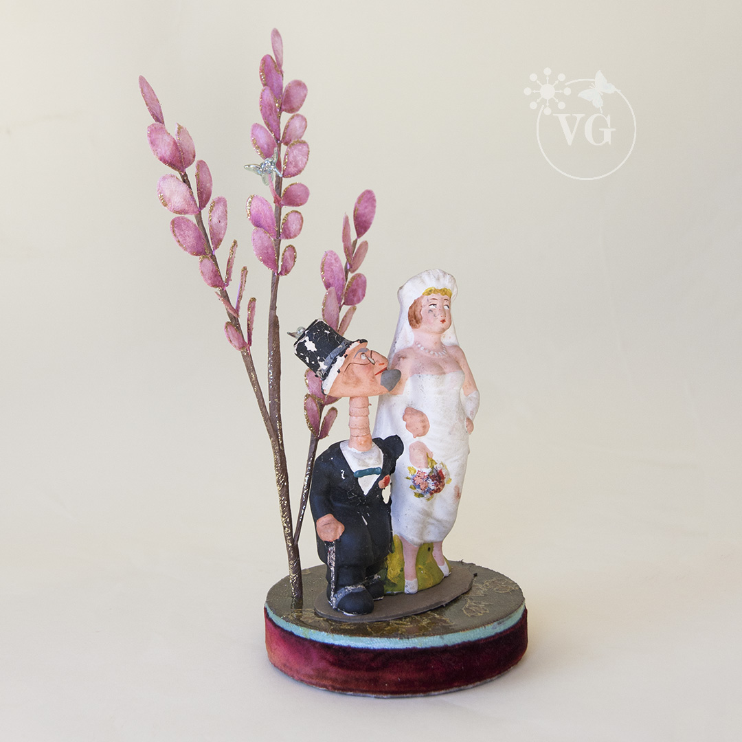1920\'s Wall Street Wedding Cake Topper - Vintagegown.com